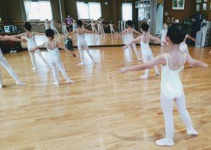 岡山バレエスクール バレエハウス本田 小学校低学年クラス